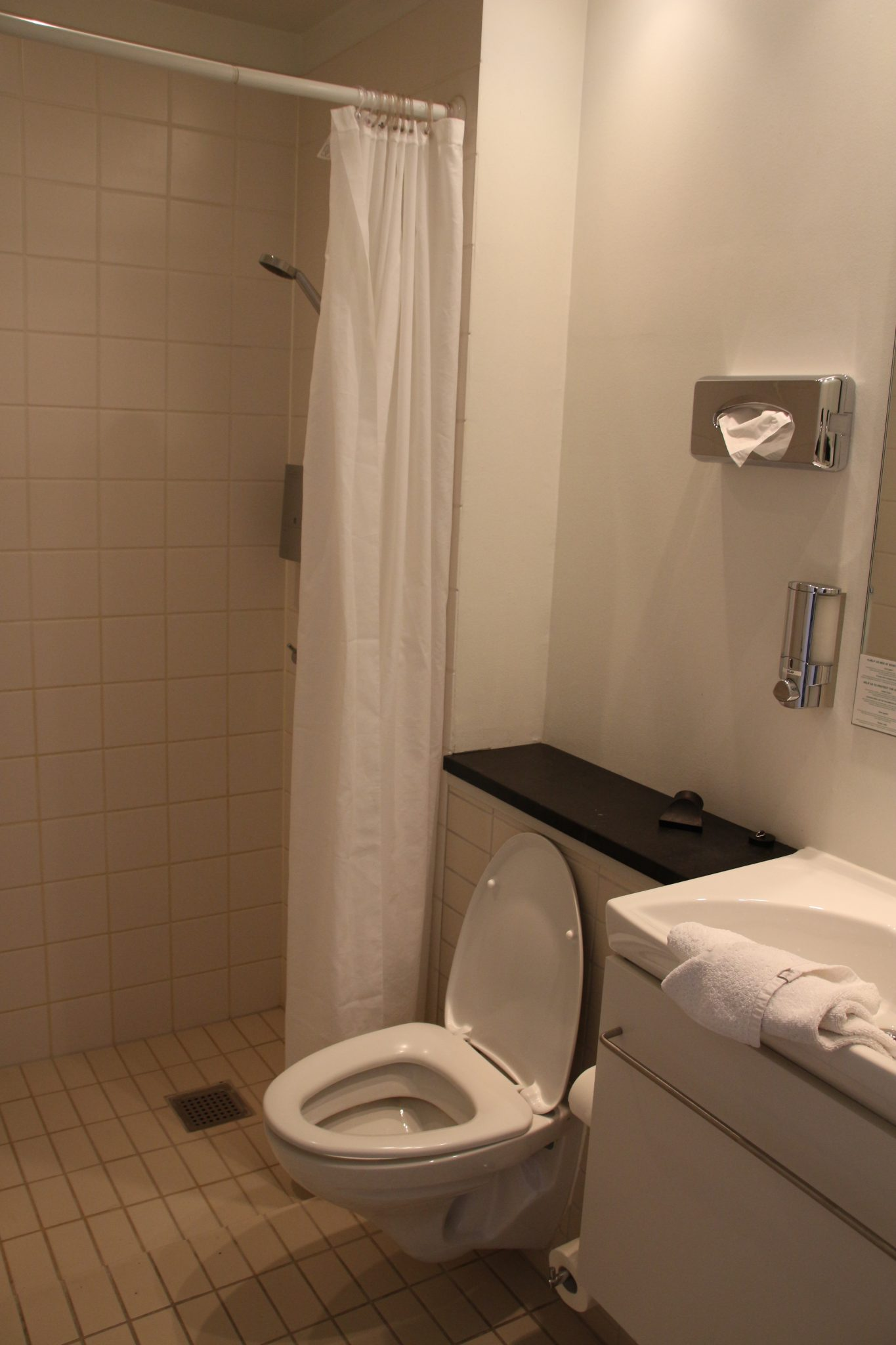 The wetroom/bathroom at Best Western Hebron, Copenhagen, Denmark
